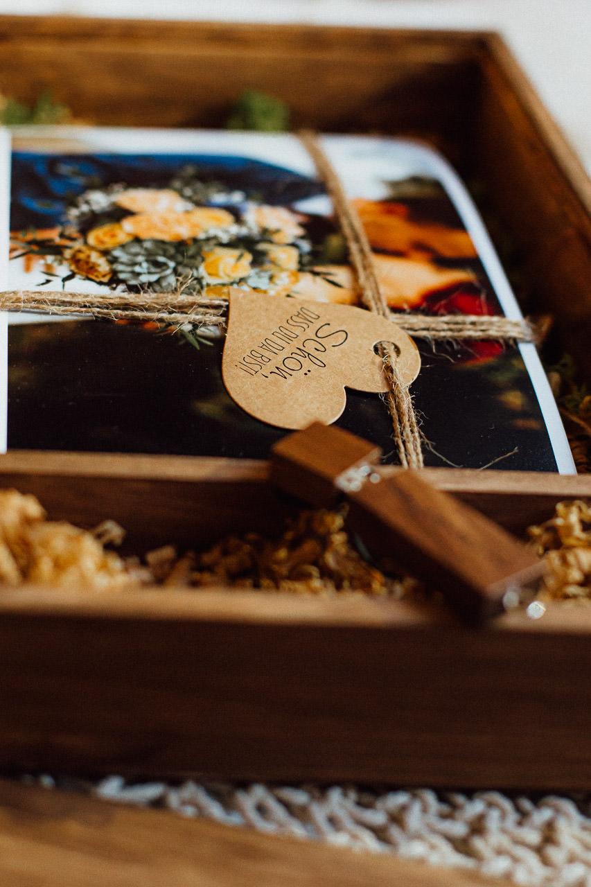 geschenkbox hochzeit fotograf deggendorf 0011 • 3
