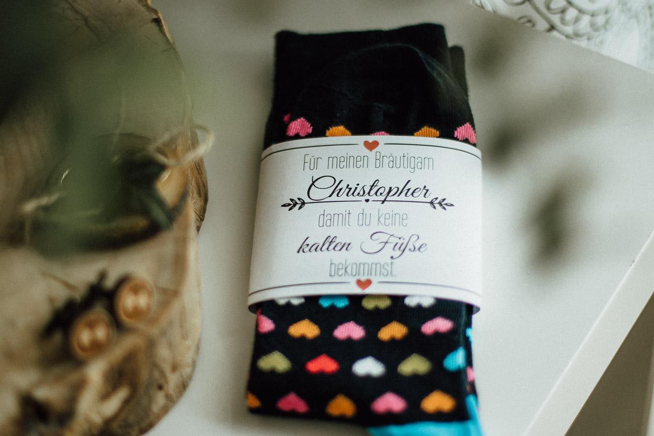 Socken für Bräutigam mit Herzen