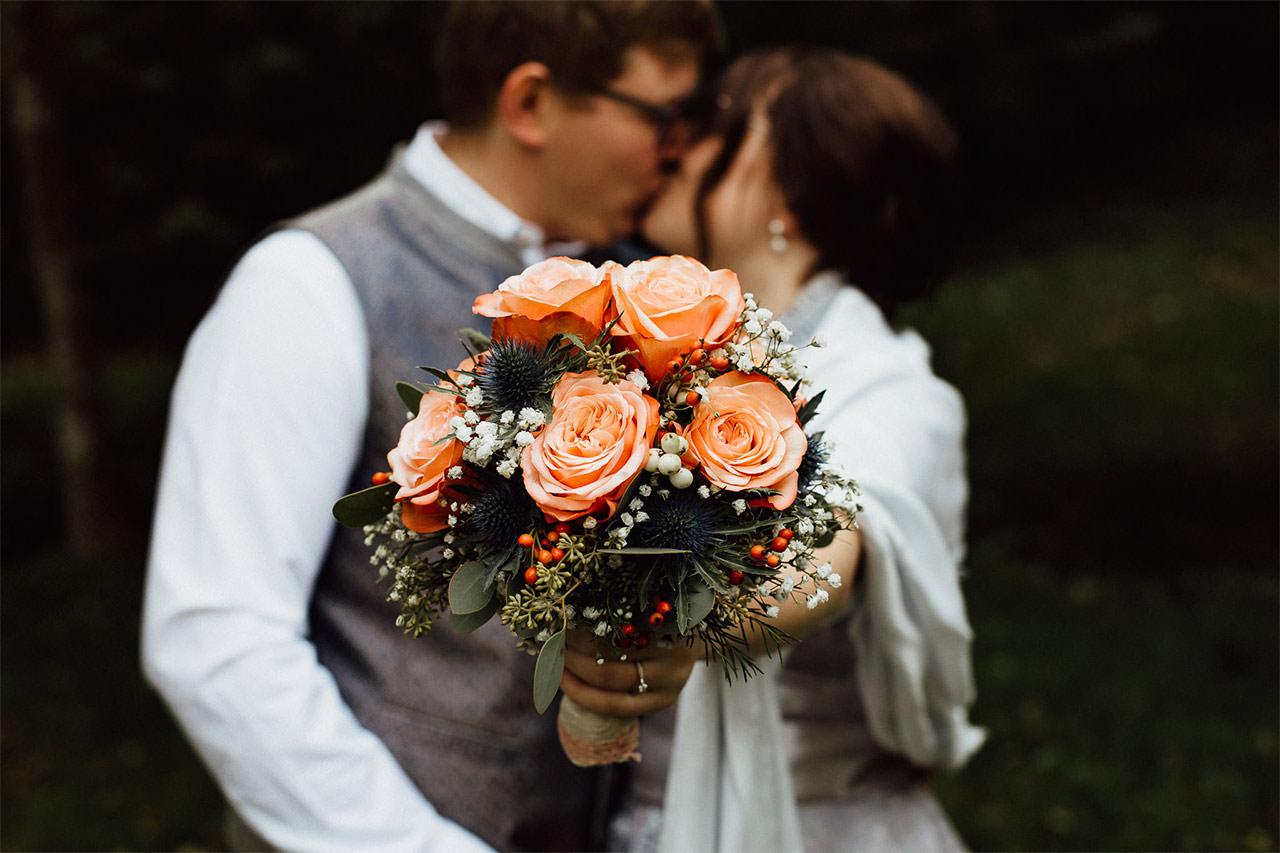 Der perfekte Strauß für eine Braut in Orange