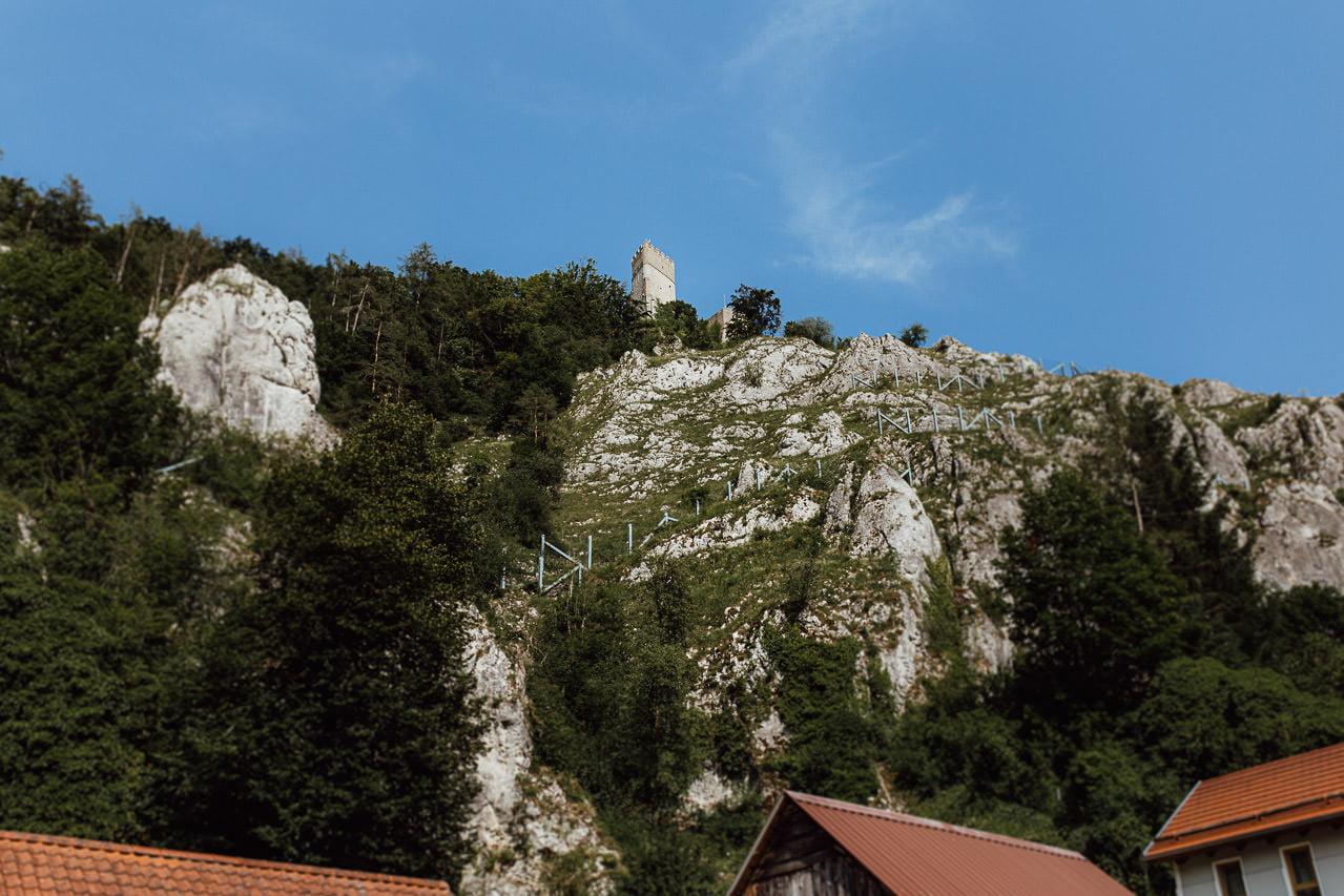 Burgruine Randeck Burg Randeck Blick von einer Holzbrücke