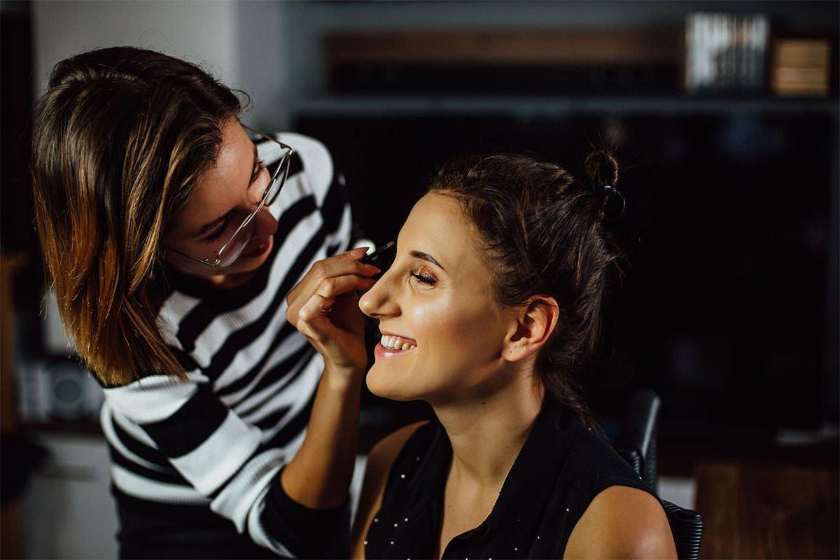 Hochzeitsvorbereitungen, Braut Make-up