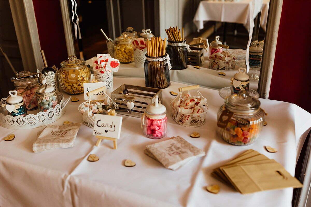 Süßigkeitentafel im Kurhaus Bad Tölz