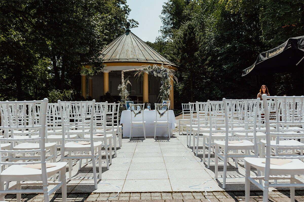 Hochzeit unter freiem Himmel im Kurhaus Bad Tölz